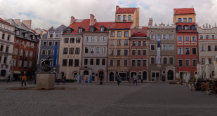 Warszawa , Polska